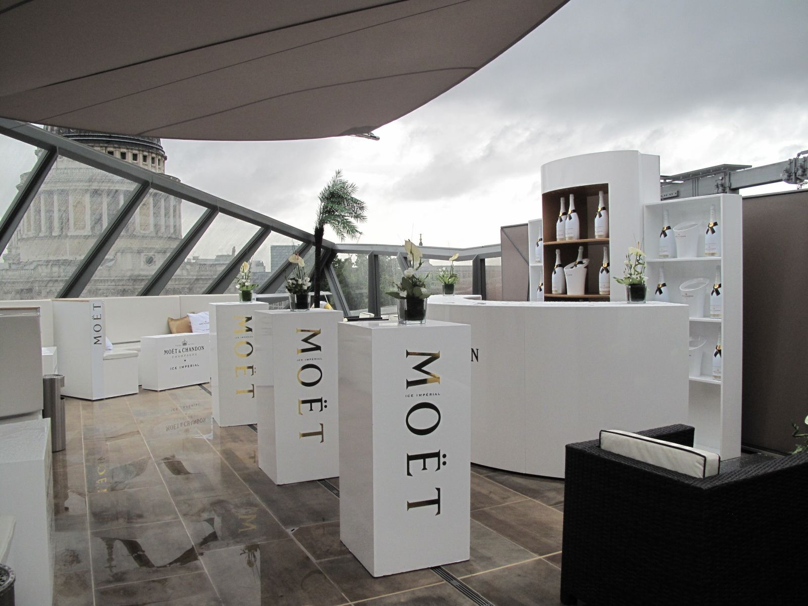 Brunch Toit Terrasse Paris Moet Ice Imperial Launch At The One New Change Madison