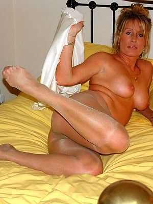 Pantyhose in Amature wives