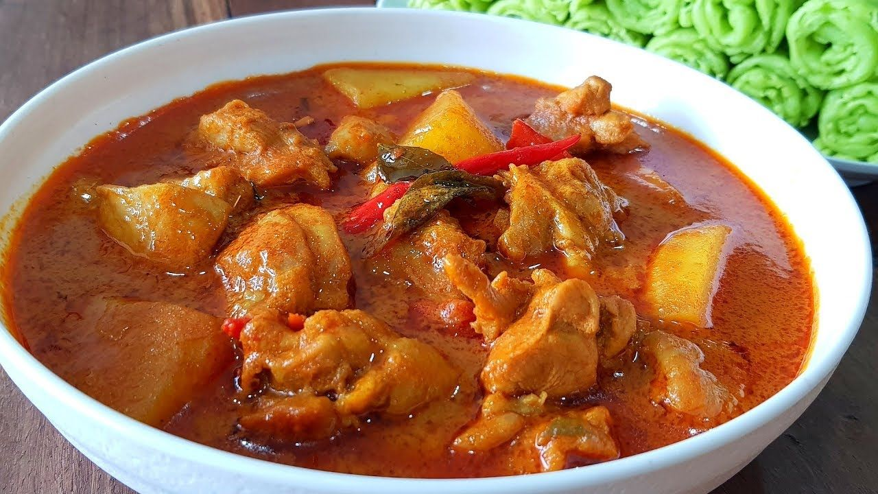 Kari Ayam Pedas | Spicy Chicken Curry for Beginners - YouTube | Recipes with chicken and peppers, Curry chicken, Kari ayam