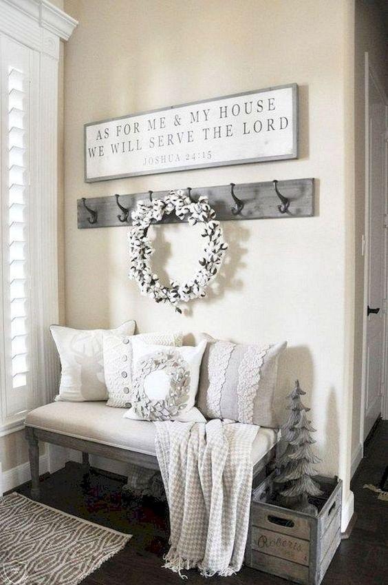 Photo of 31 Cozy Farmhouse Entryway Decor Ideas