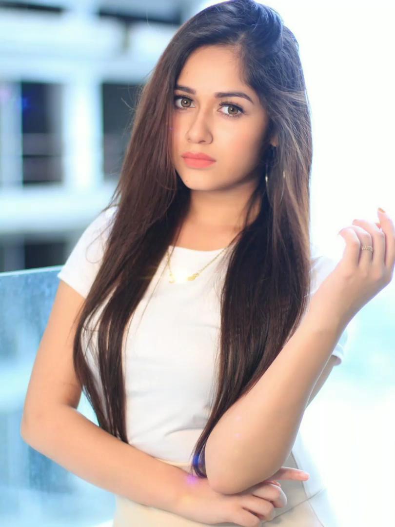 Photo of Jannat Zubair – Beautiful hair loop video