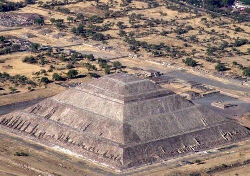 mariahdelrio: Teotihuacán, lugar donde fueron creados los Dioses.