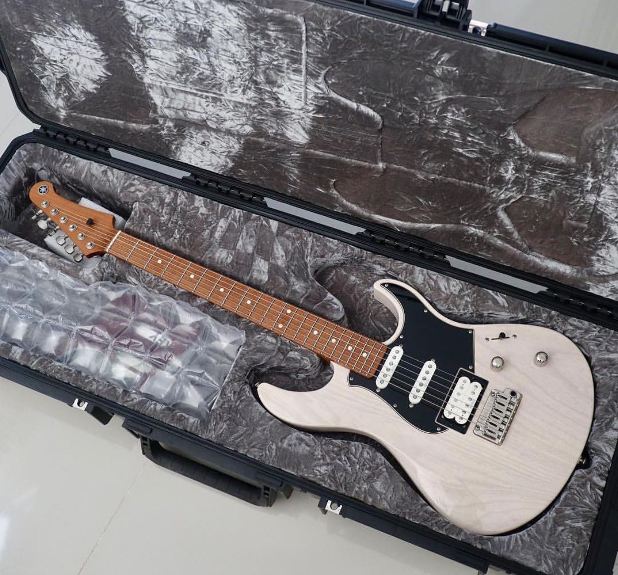 Yamaha Pacifica Jack Thammarat Model Yamaha Guitar Guitar Guitar Pickups