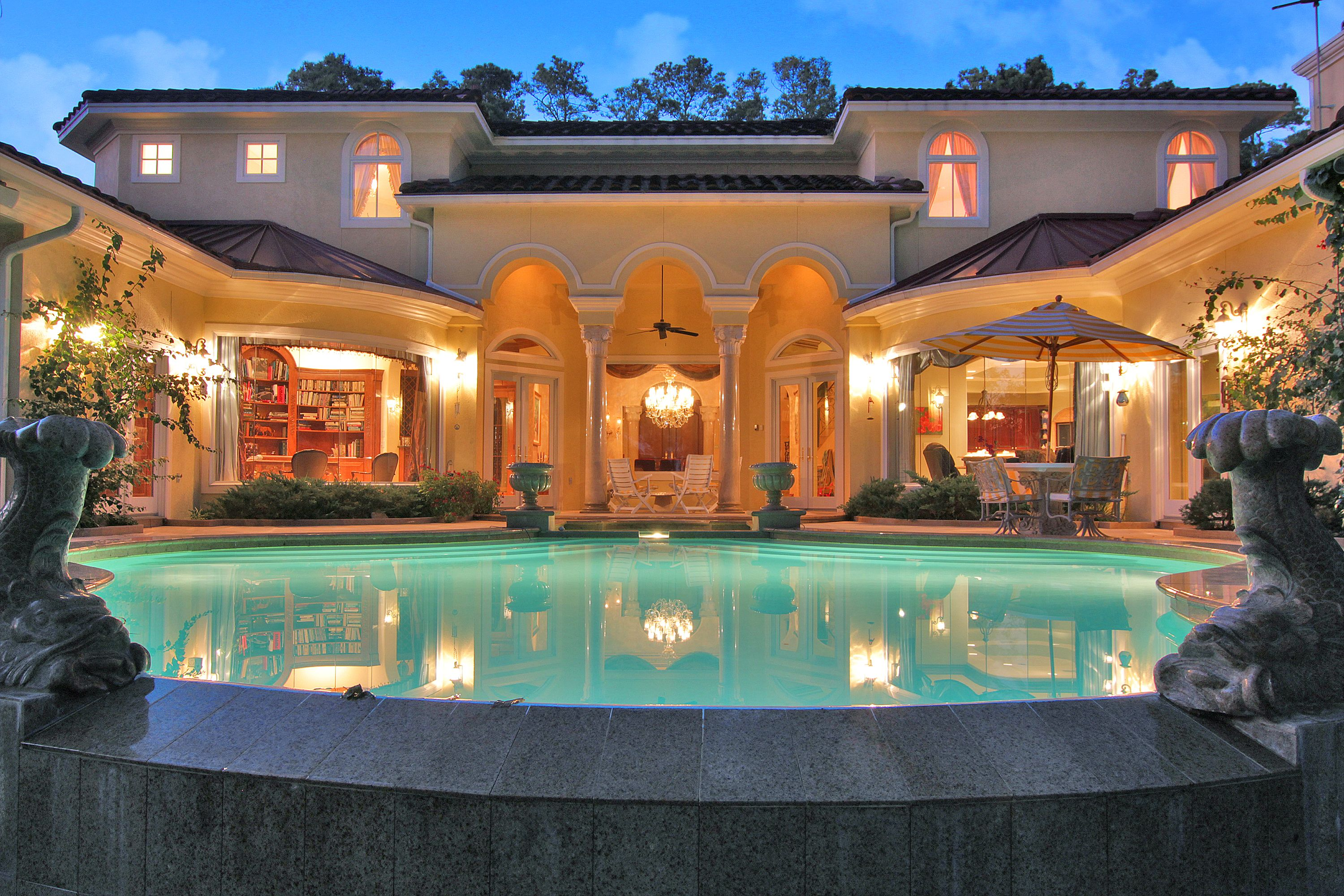 Beautiful custom built mediterranean home houston tx for Beautiful homes in houston