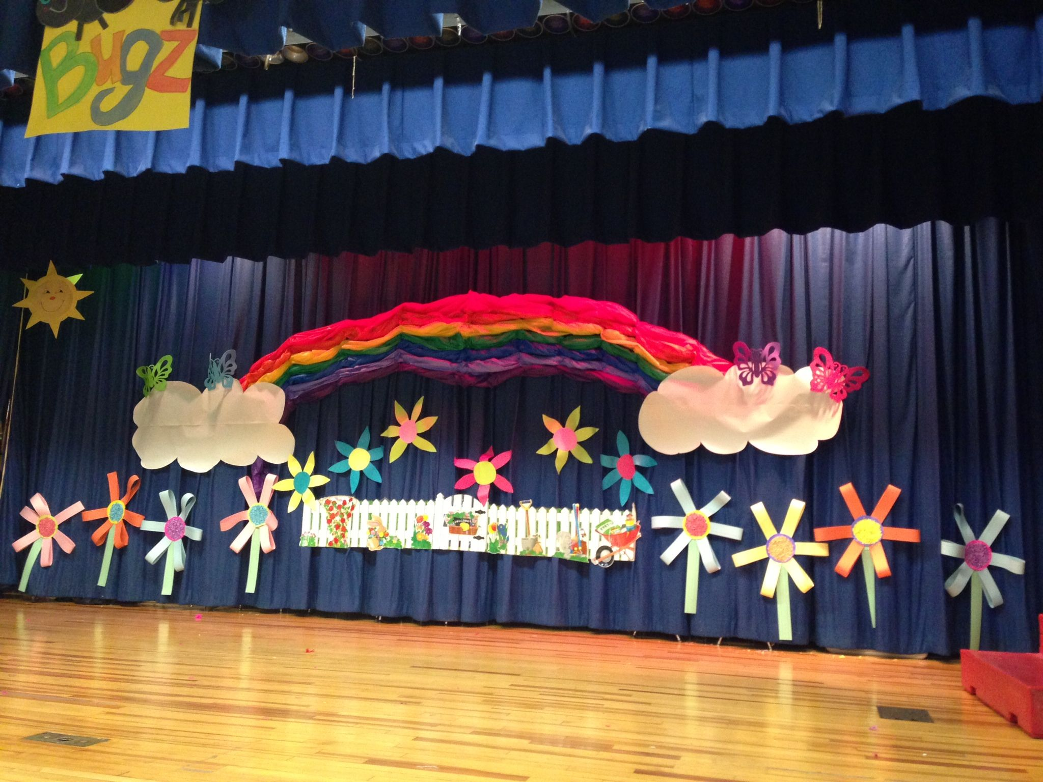 Our decorated stage for our play school stuff pinterest school preschool graduation and - Kindergarten graduation decorations ...