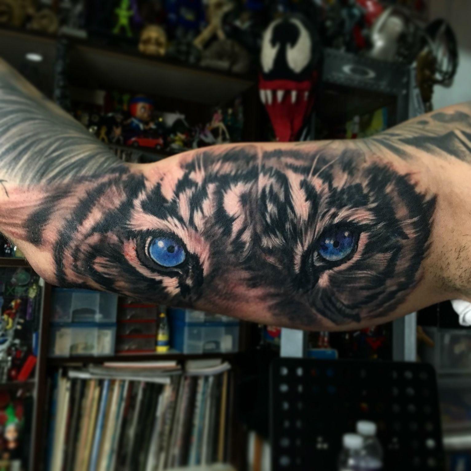 Tiger Eyes Tattoo Tiger Eyes Tattoo Eye Tattoo Lion Tattoo Sleeves