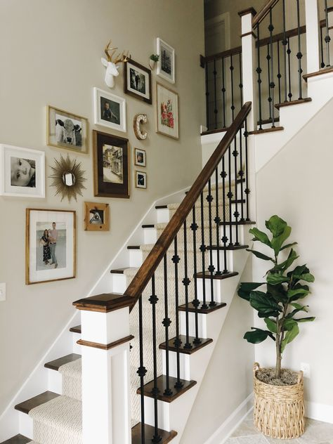 Pin By Chanellealmas On New House In 2020 Staircase Wall Decor