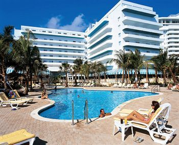 Situated In Mid Beach The Riu Florida Provides Guests A European Atmosphere As Well Fitness Centre Air Conditioning And An Outd