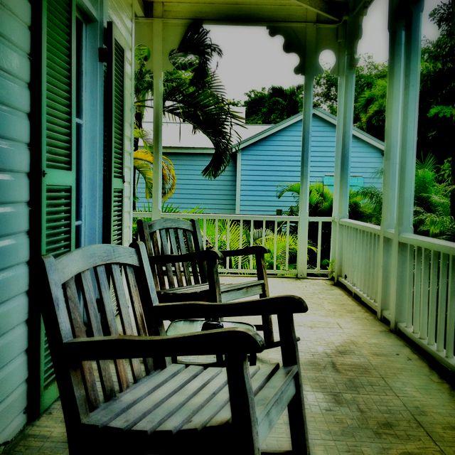 Chelsea Inn, Outdoor Chairs