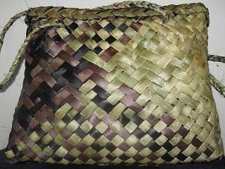 Matariki Gallery Maori Art Giftware Bone Jade And Wood Carvings From New Zealand Rita Baker Maori Art Wood Carving Flax Weaving