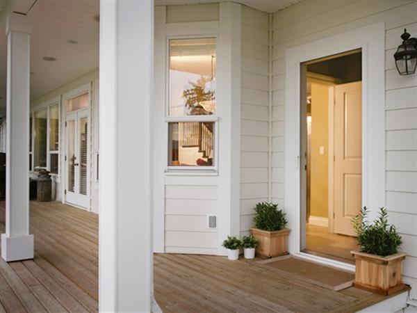 Beach Cottage Porch With Phantom Retractable Screens