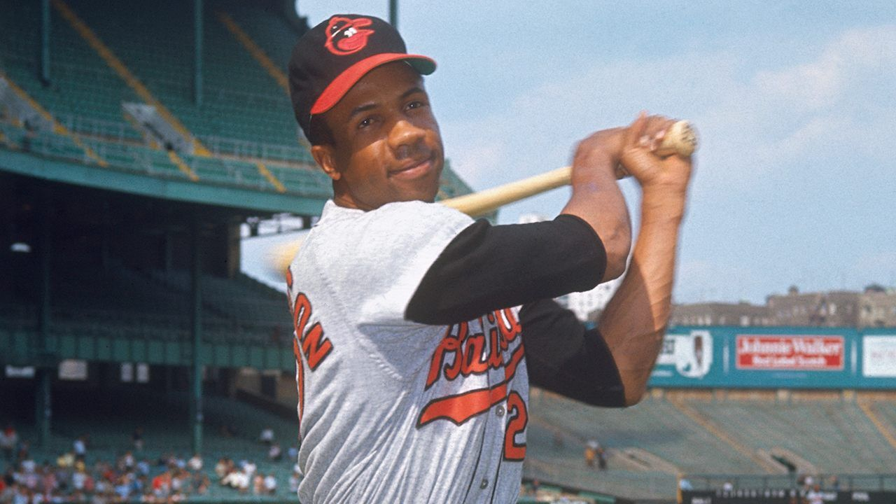 Frank Robinson Hall Of Fame Baseball Player And First African American Mlb Manager Dead At 83 Fox News Frank Robinson Baseball Players African American