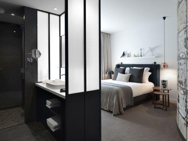 Dix idées déco inspirées d\'hôtels design | Verrière, Les salles de ...