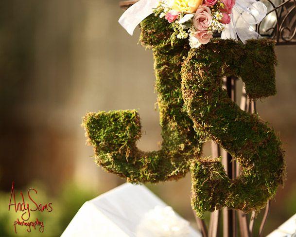 Andy Sams Photography www.andysams.com Moss Initials by Zuzu's Petals @Zuzu's Petals #springweddingideas #springweddingdecor #letters #springweddinginspiration