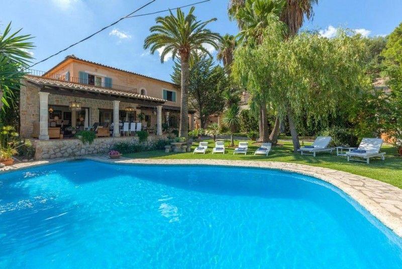 Beeindruckende Villa im traumhaften Gebirgsort Mancor de la Vall auf