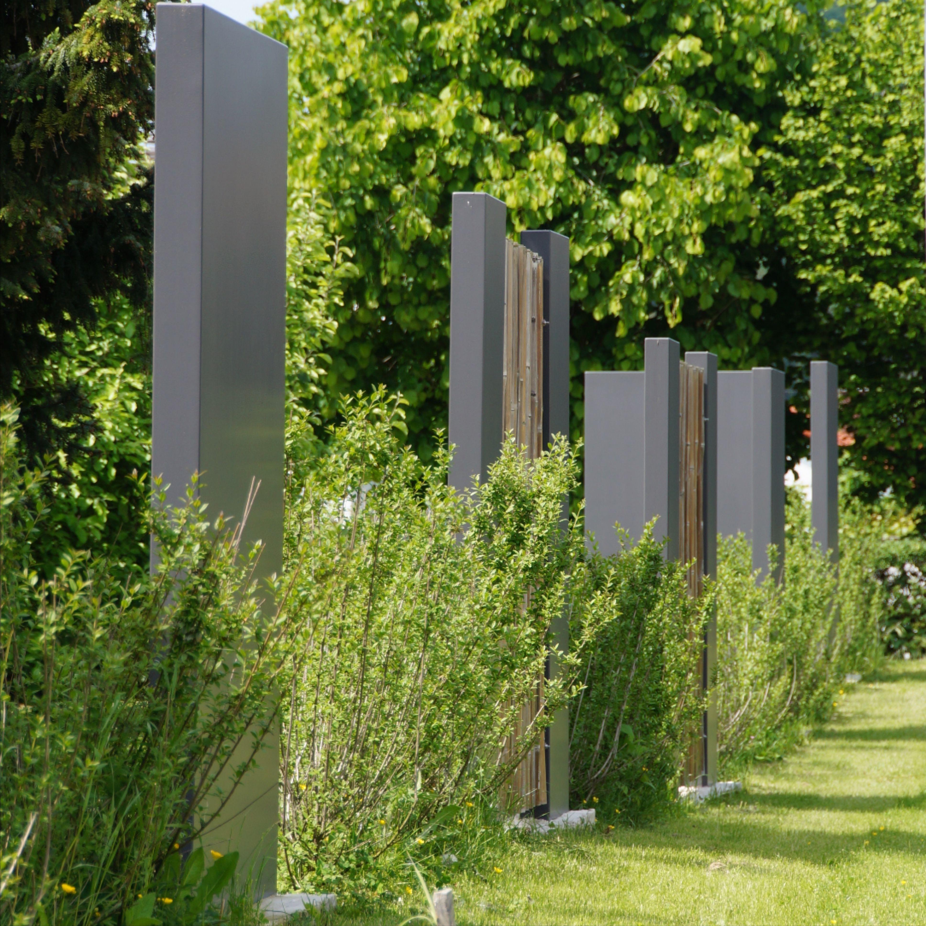 Grenzeinfassung Mit Designstelen Garten Design Sichtschutzelemente Sichtschutzwande