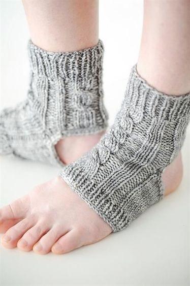 10 Yoga Socks Knitting Patterns | Knitting socks, Yoga ...