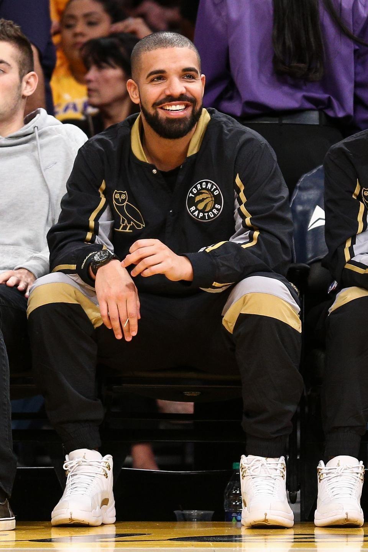 Drake tops spotifys moststreamed artists list for 2015