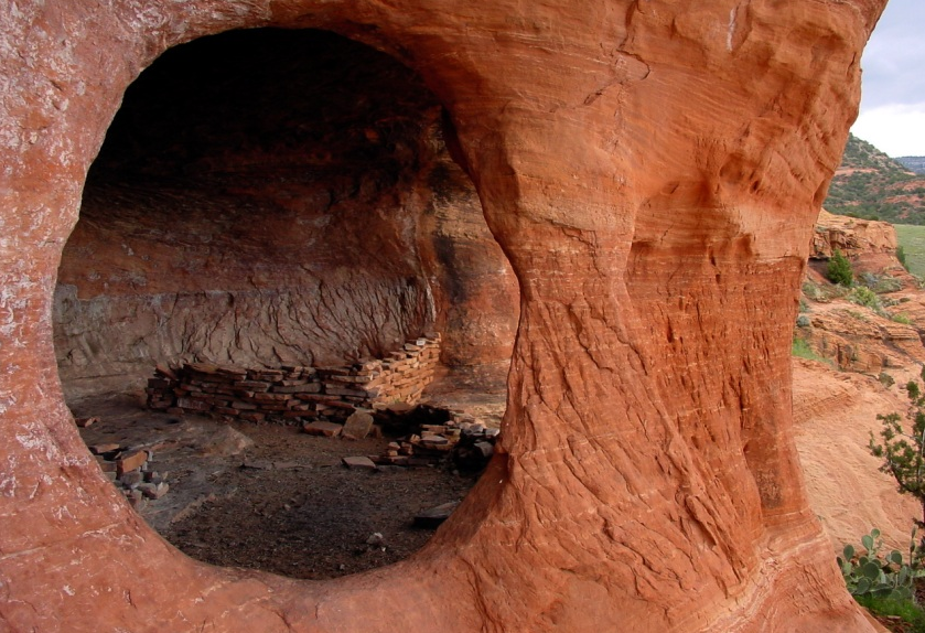 Robbers Roost Cave - Sedona Source Center