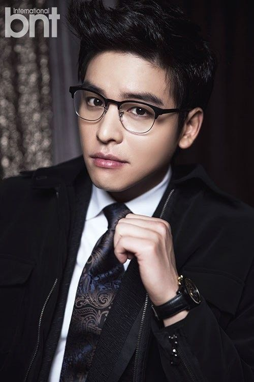 25 Hot Korean Actors Who Magically Look Hotter In Glasses Korean Actors Hot Korean Guys Actors