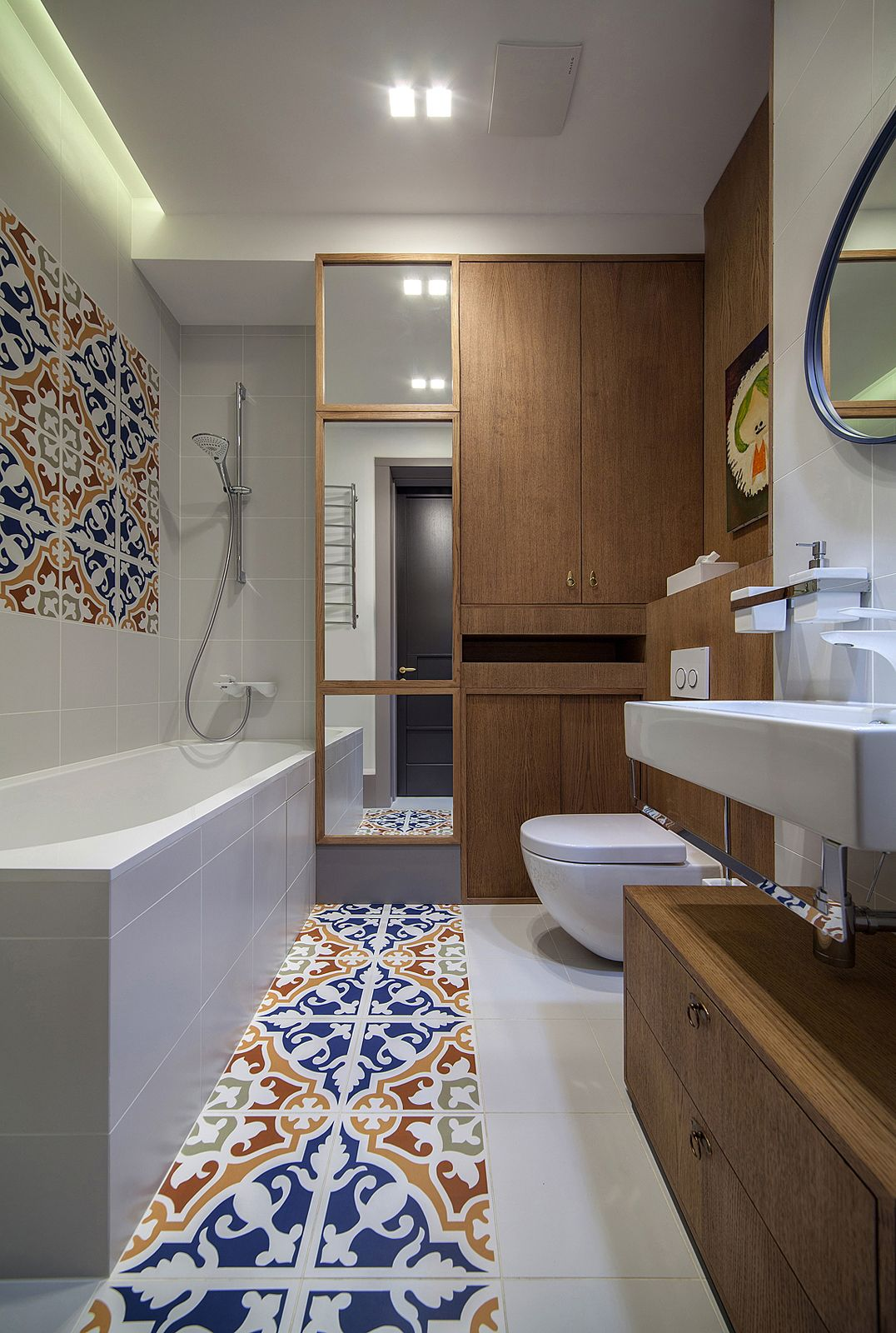 Contemporary chic decor - Kiev Apartment With Colourful Accents And Contemporary Chic Decor