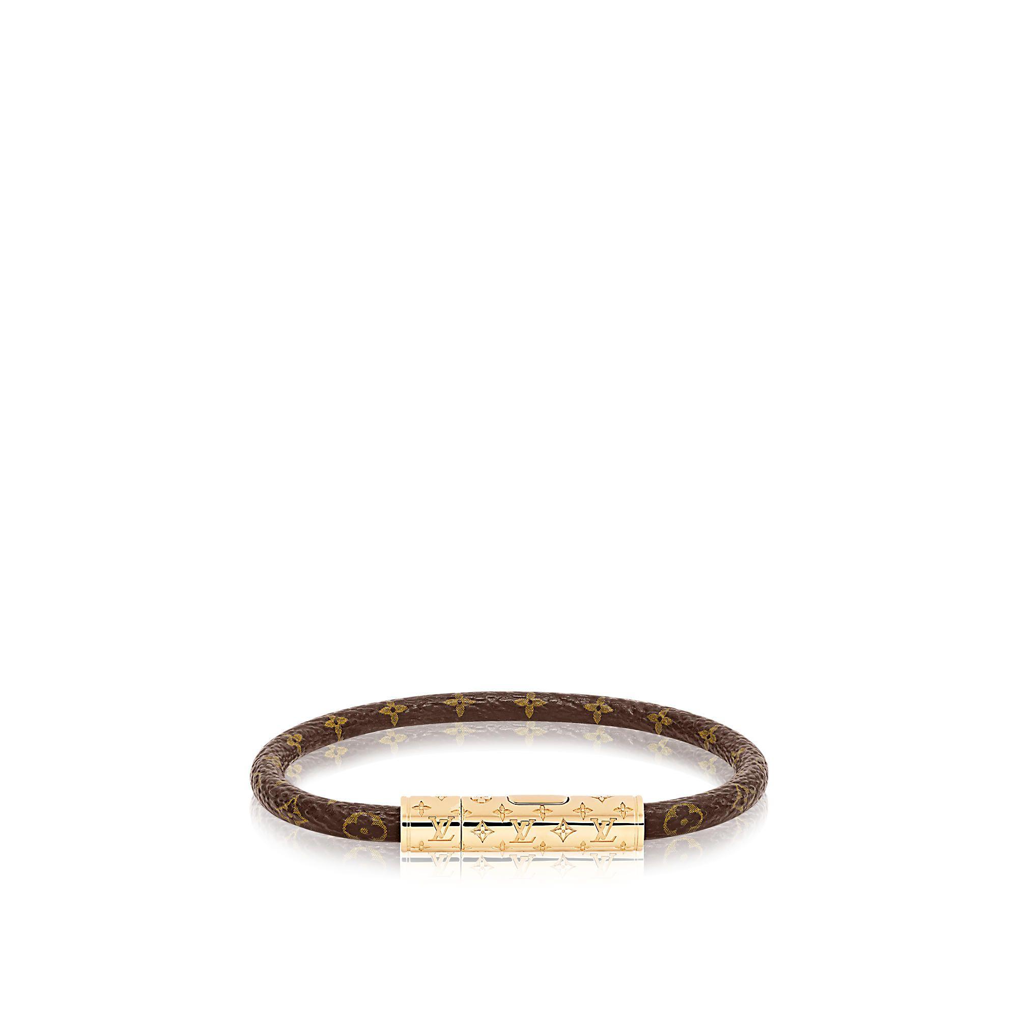 85bcc2be018f Bracelet LV Confidential Toile Monogram Femme Accessoires Bracelets en cuir.  Découvrez l incontournable Bracelet LV Confidential via Louis Vuitton 170  euros