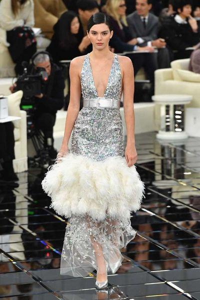 Chanel İlkbahar 2017 Couture Koleksiyonu - Fotoğraf 1 - InStyle Türkiye