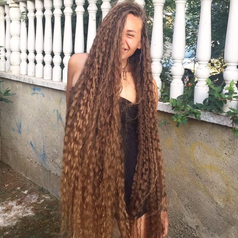 Model sehr lange haare