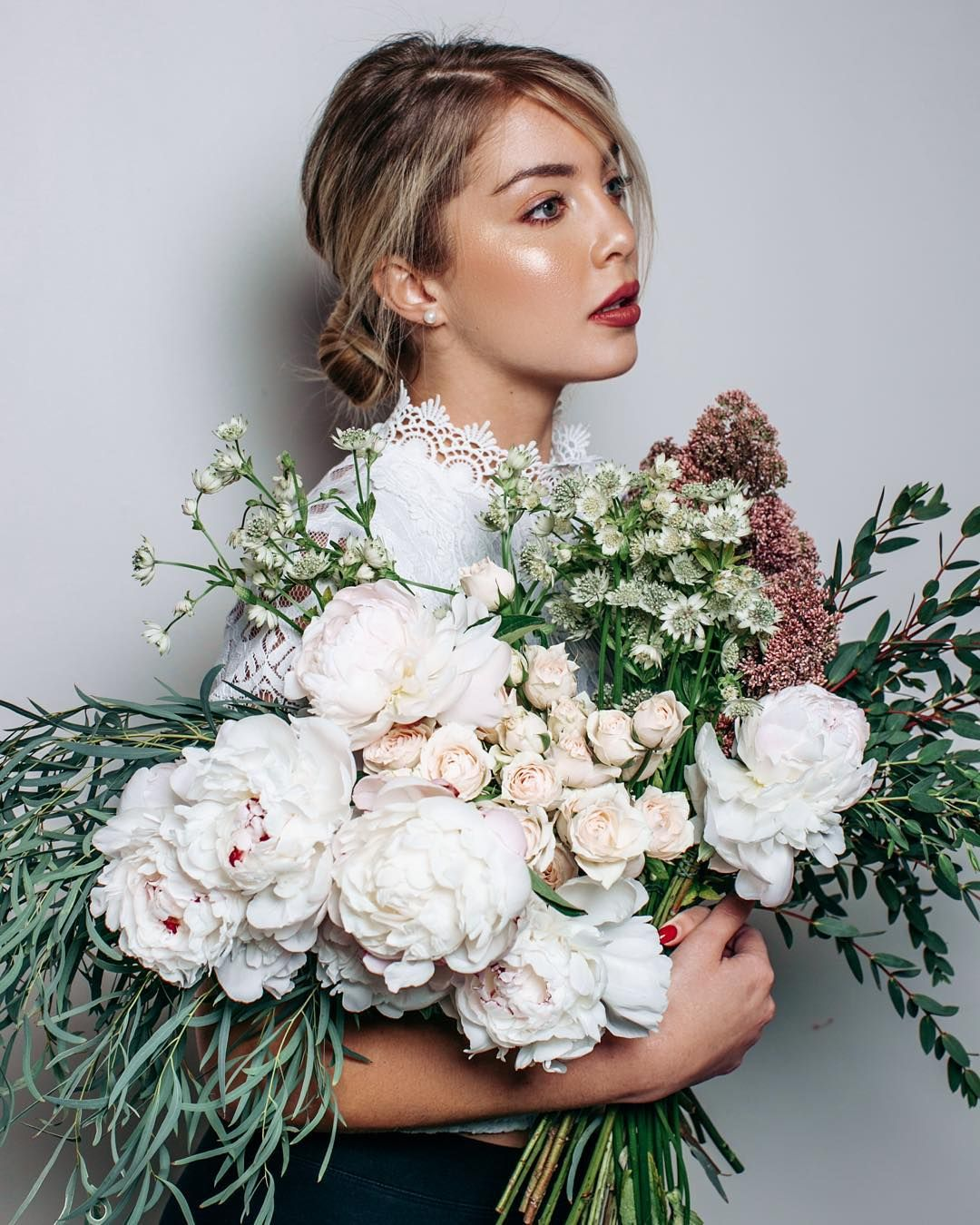 Flower bouquet by florists @maisonfarola / makeup/hair @doaadahoud / model @kristiinatocco - bts video from this shoot on my YT next week by jessicakobeissi