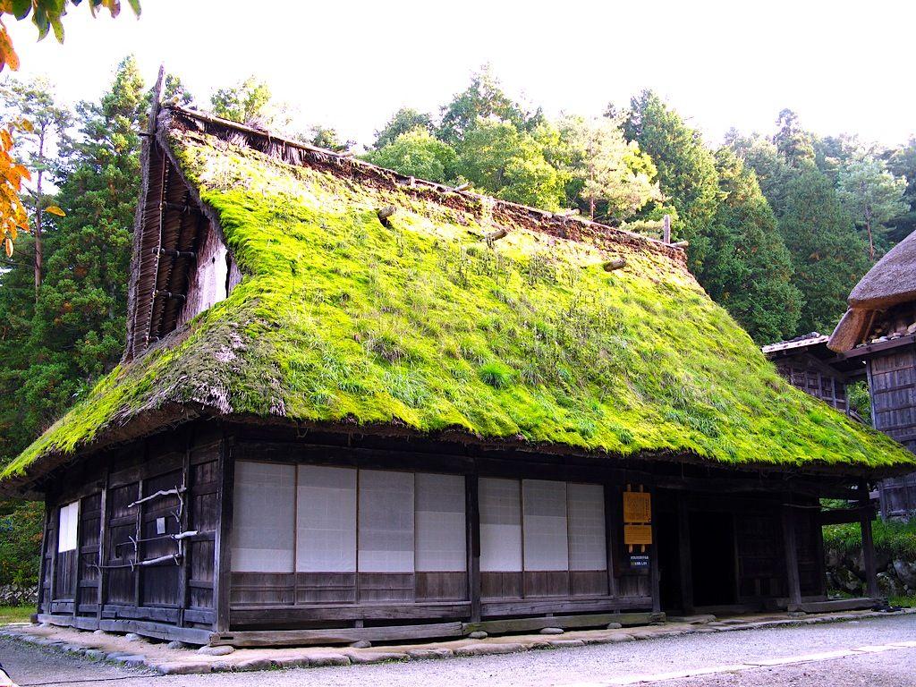 moss on a japanese roof япония pinterest japanese