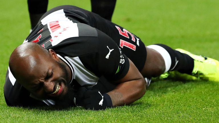 Jetro Willems Steve Bruce fears cruciate ligament injury