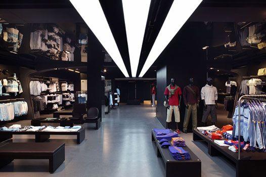 2165f2dac4cea8 Adidas Store Zeil Frankfurt M. – Innenansicht Store