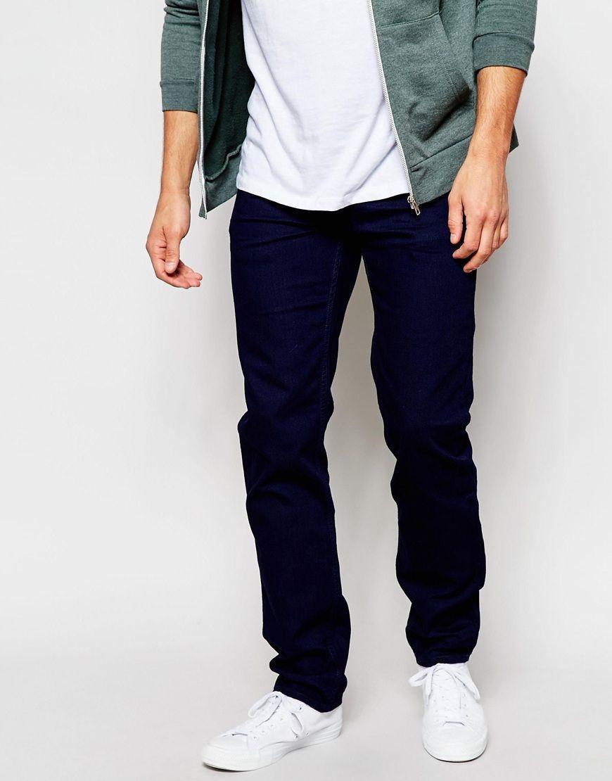 Jeans von Lee fester Stretchdenim niedrige Bundhöhe verdeckter Hosenschlitz schmale Passform, sitzt eng am Körper Maschinenwäsche 71% Baumwolle, 29% Elastan unser Model trägt Größe 81 cm/32 Zoll und ist 185,5 cm/6 Fuß 1 Zoll groß