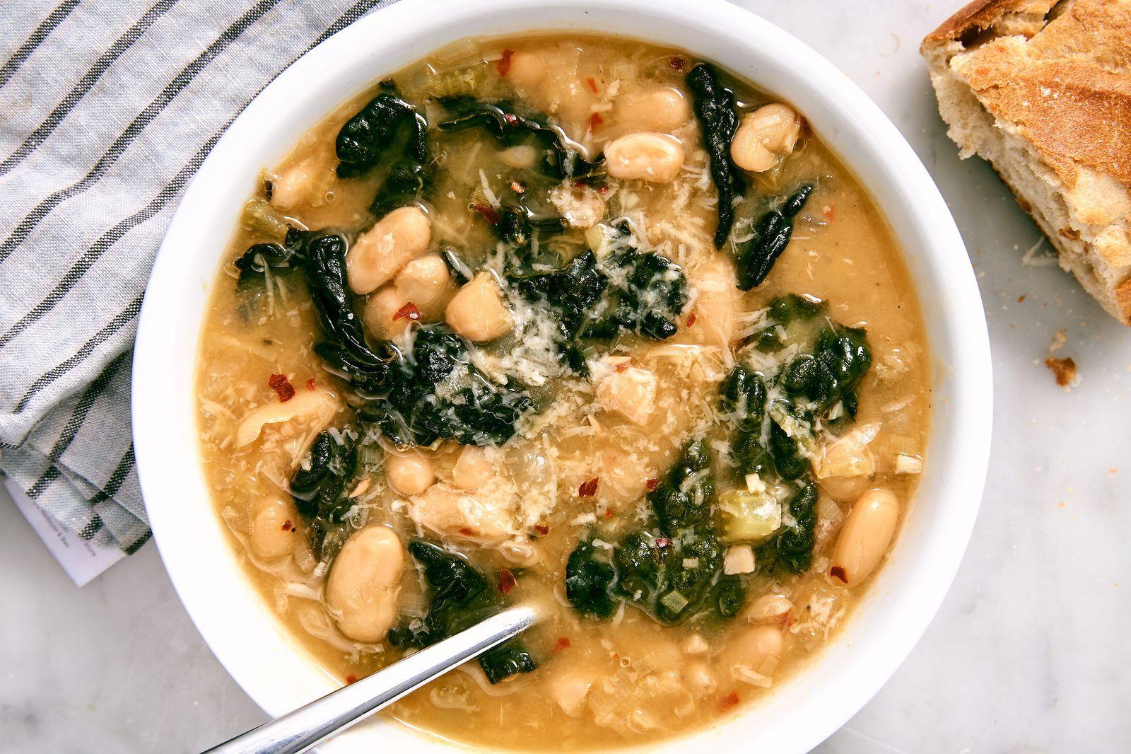Best Vegetarian Kale Soup Recipe Kale Soup Recipes Food Recipes Kale Soup