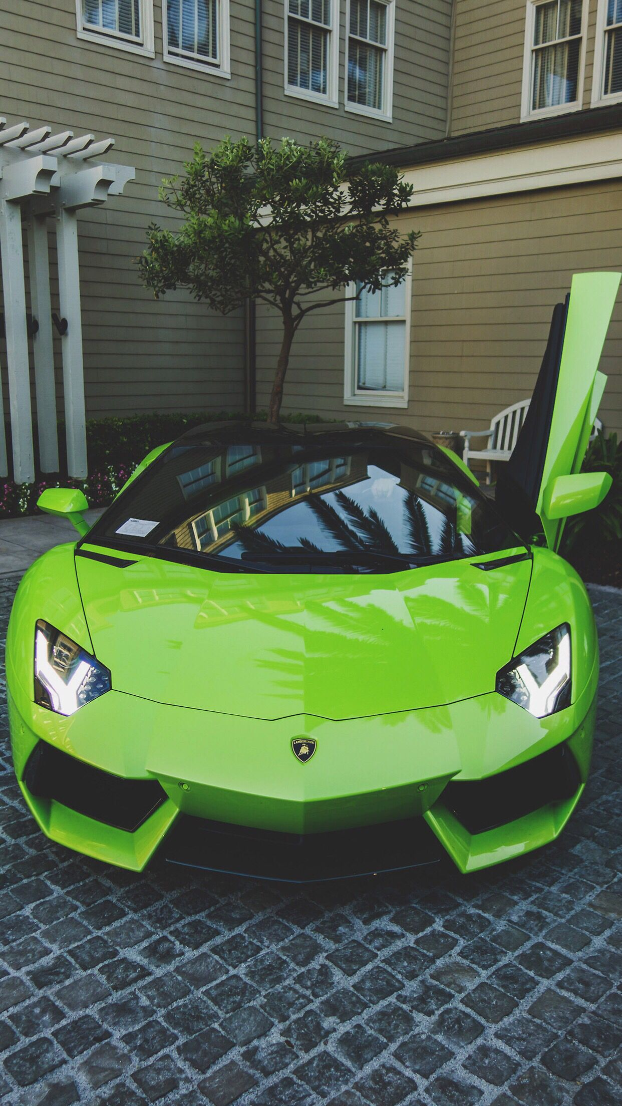 Good Green Lamborghini Car