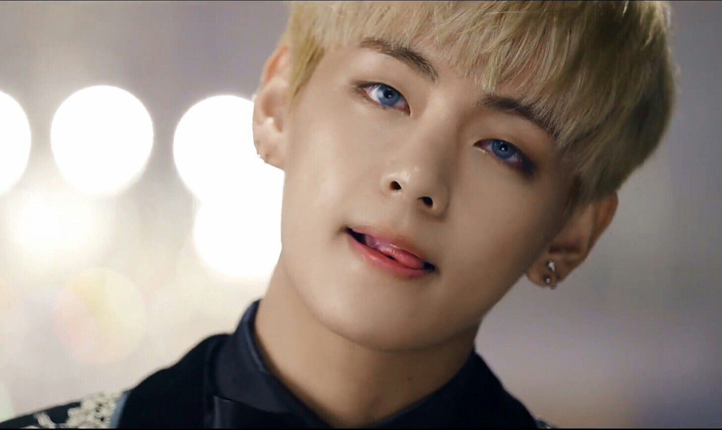 V blood sweat and tears bts