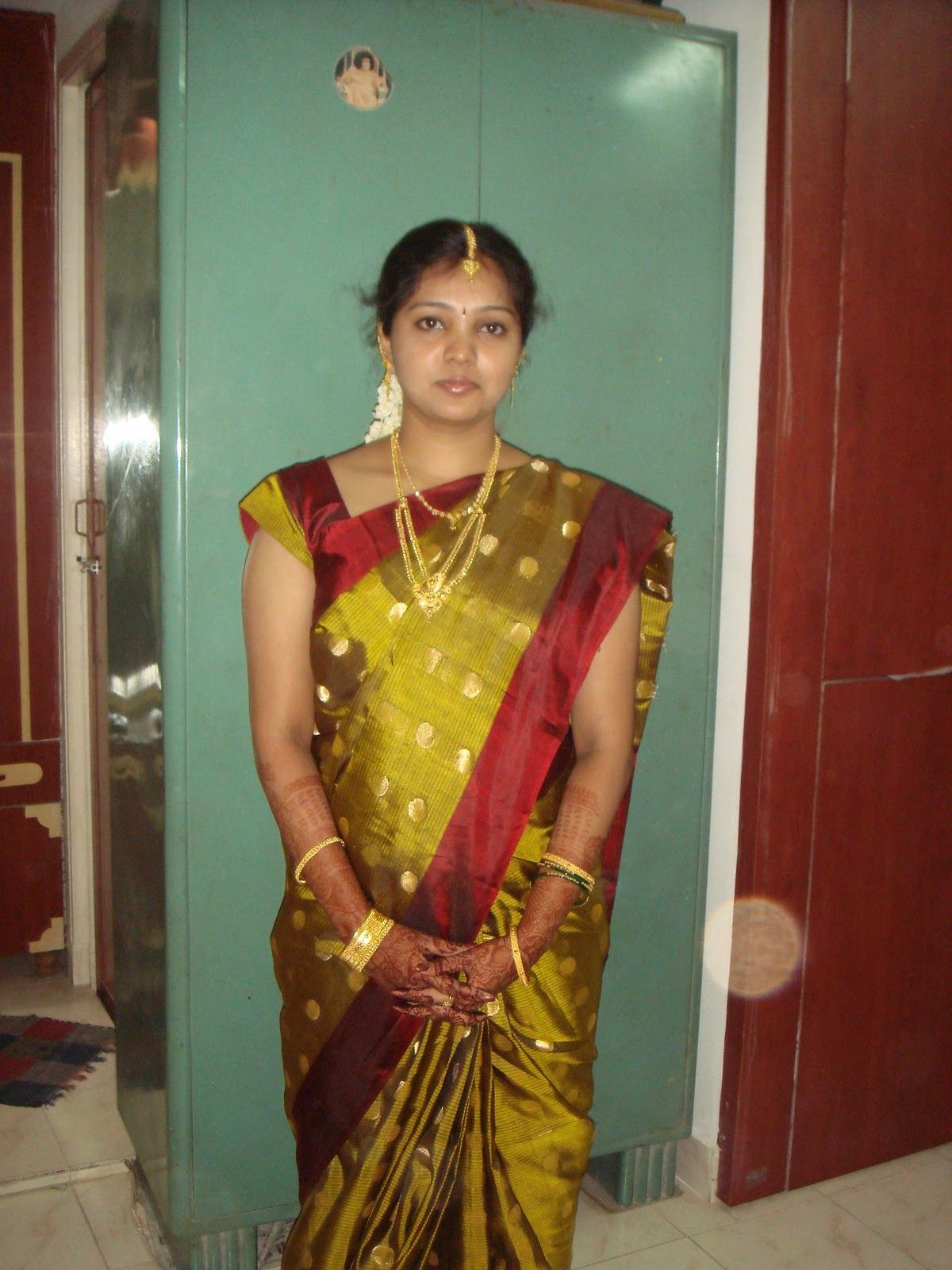 This tamil house wife photos