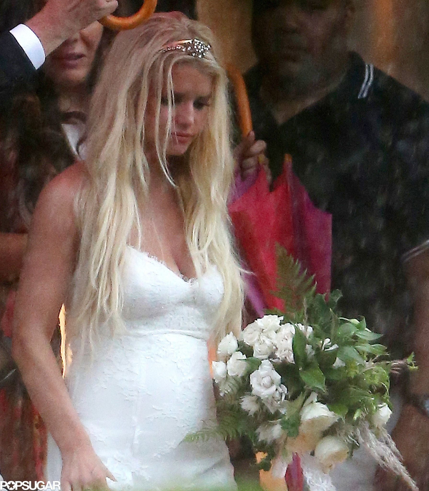 Jessica simpson may just be the ultimate celebrity bridesmaid jessica simpson may just be the ultimate celebrity bridesmaid ashlee simpsonwhite bridesmaid dresseswedding ombrellifo Gallery