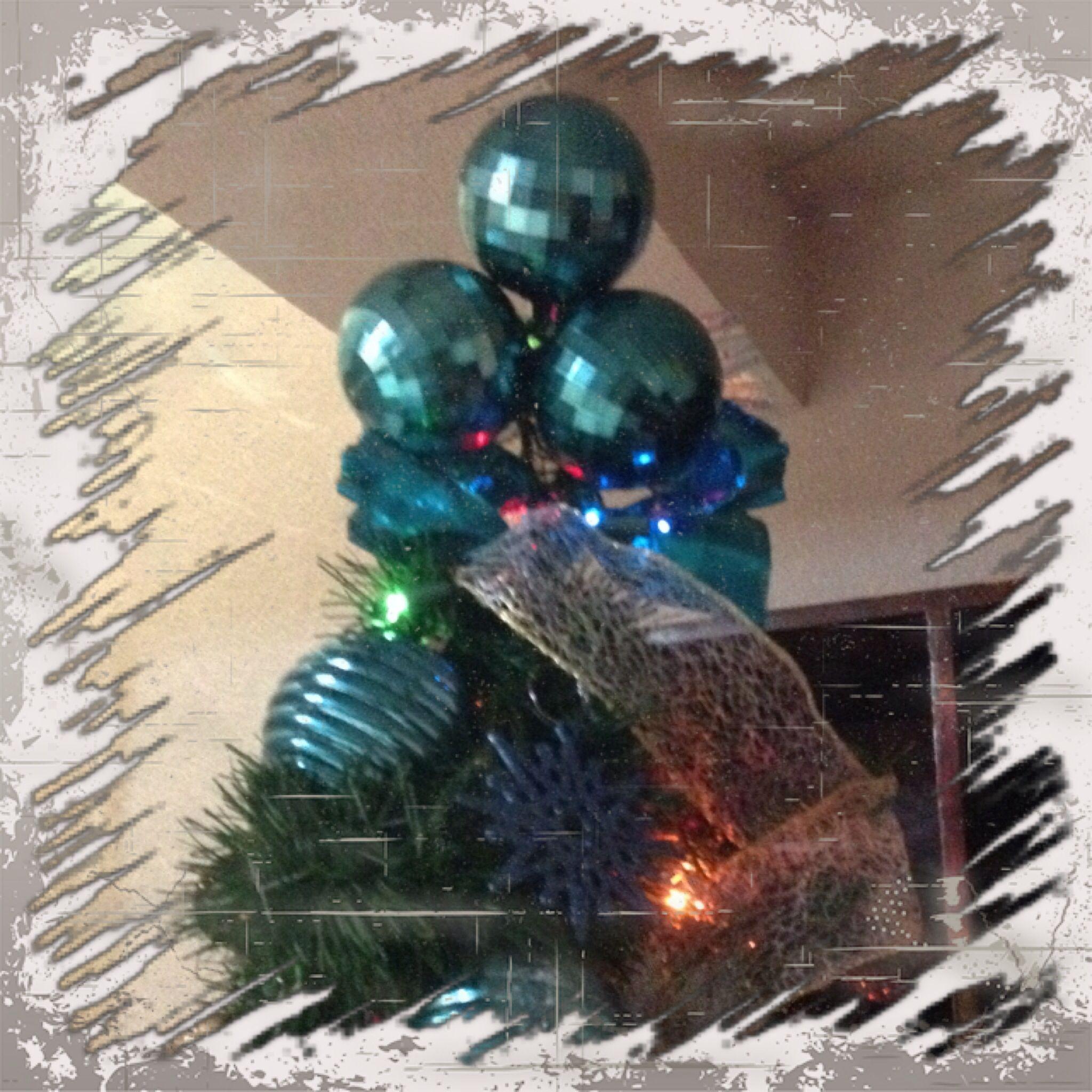 Punta de árbol con esferas