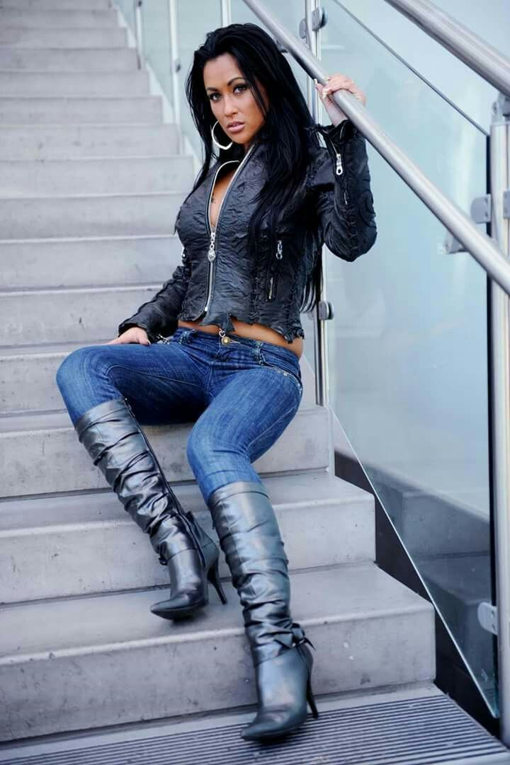 hot women in jeans and boots - photo #7