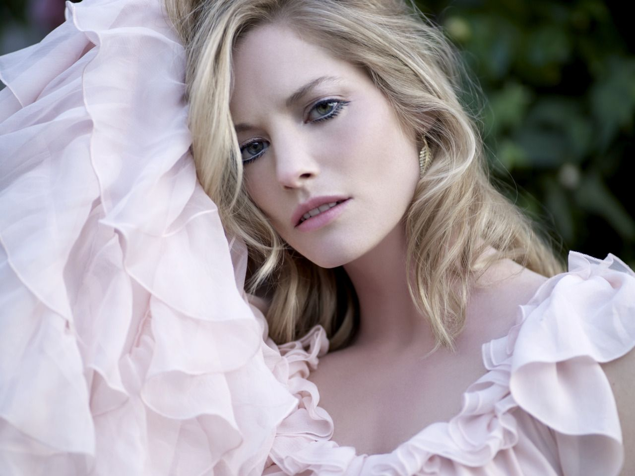 Amanda De Cadenet Nude sienna guillory | fan fiction: petronella and david | sienna