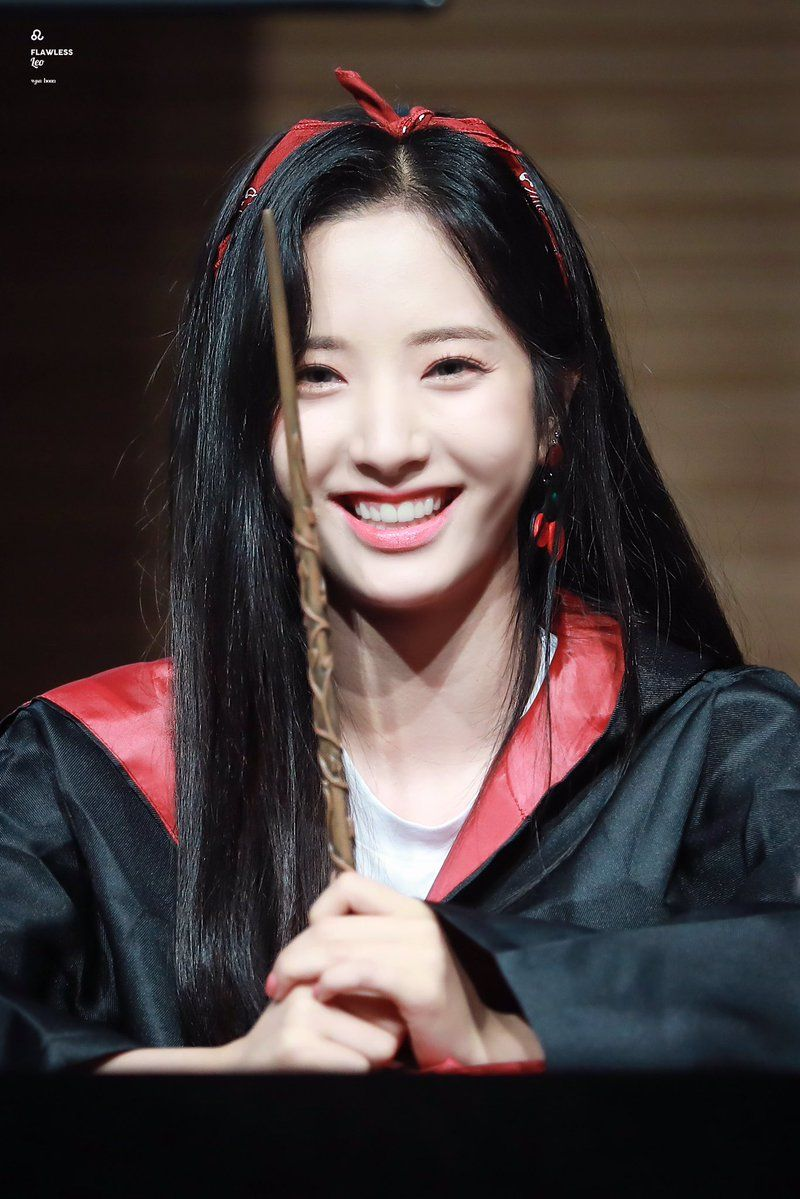 Im Ji Yeon Nude Simple wjsn ♡ bona 보나 (kim jiyeon 김지연) at konkuk university fansign
