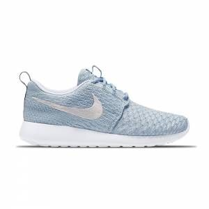 new product 97fce 34e2d Sneakers Running Femme NIKE Roshe Run Flyknit Bleu Clair - Basket Bordeaux