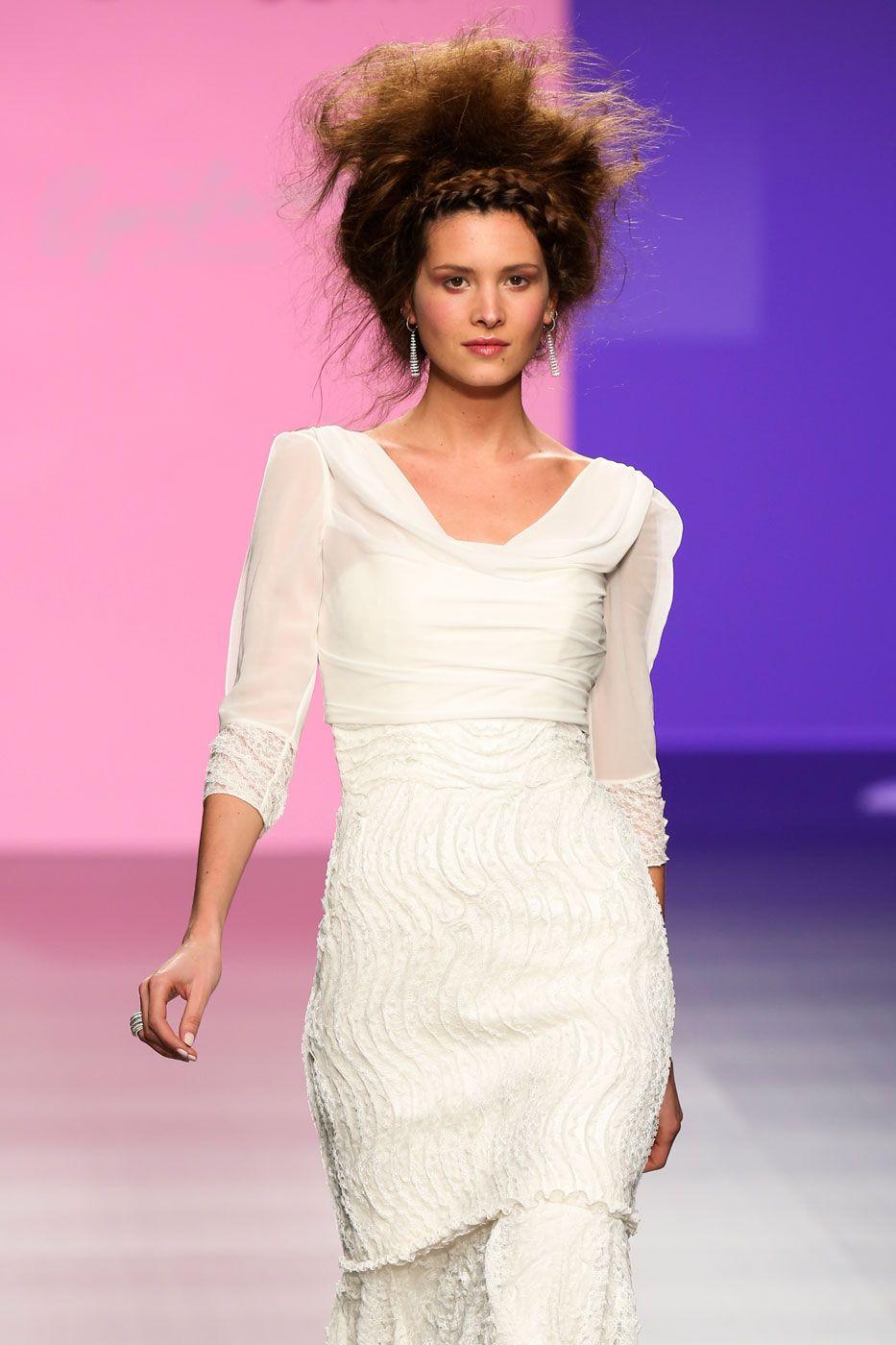 Discover ideas about Spring Summer 2015. Φορέματα με διαφάνεια στο μανίκι  ... 79766d0f463