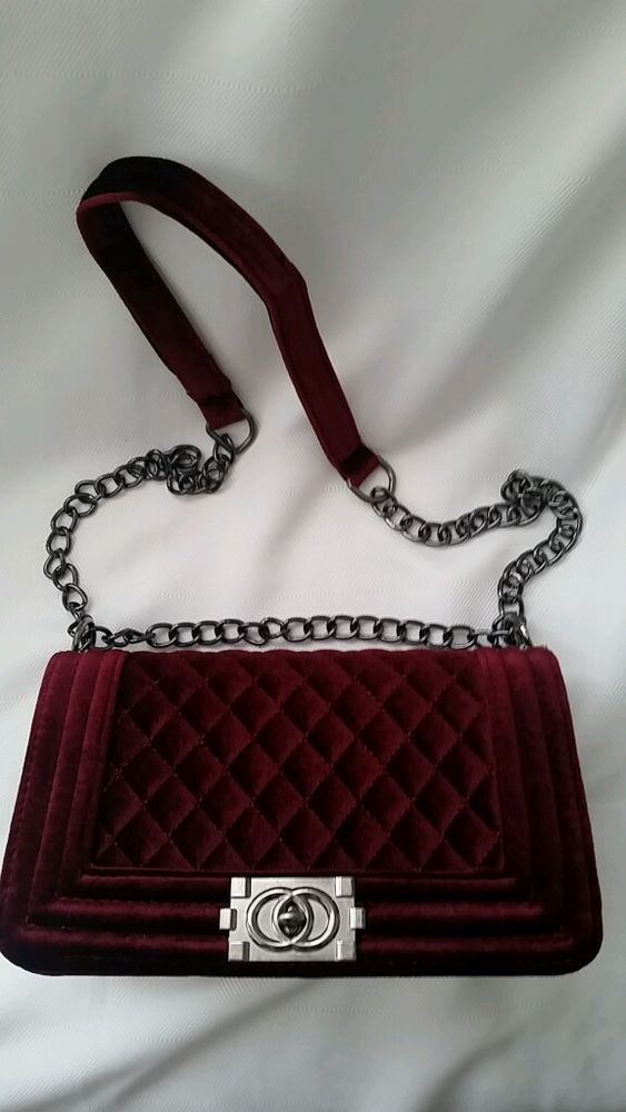 FASHION MESSENGER /CROSSBODY SLEEK BURGANDY CLASSY HANDBAG.  #burgandyhandbag #MessengerCrossBody