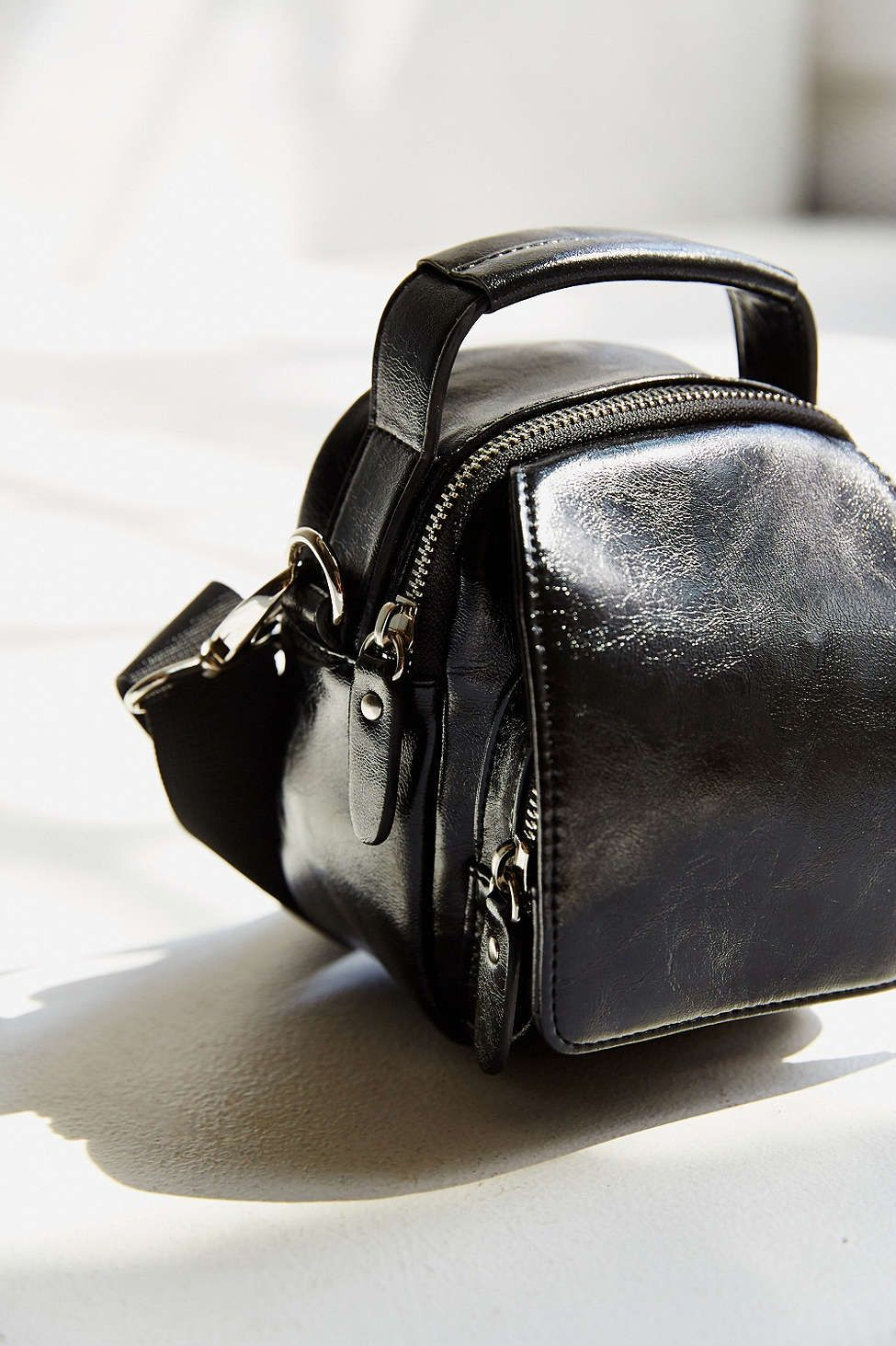 Cooperative Mini Camera Bag Urban Outfitters Canta Canta Modelleri