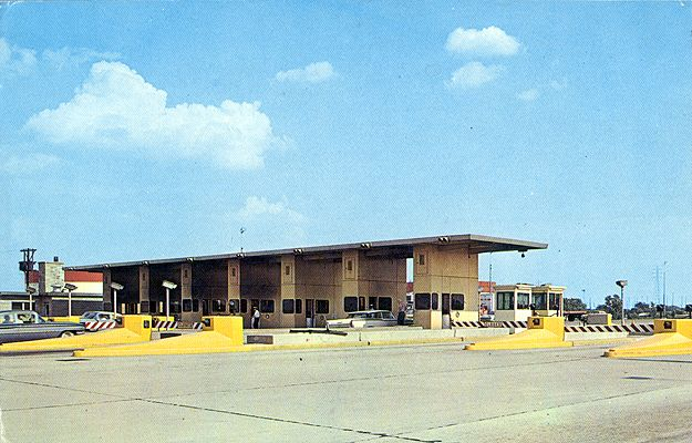 Hammond, Ind. The beginning of the Northern Indiana Toll Road. This is part of the ultra modern Chicago-New York Turnpike system that affords the traveler 830 miles of almost non-stop parkway between the nation's two largest cities. DATE: circa 1970