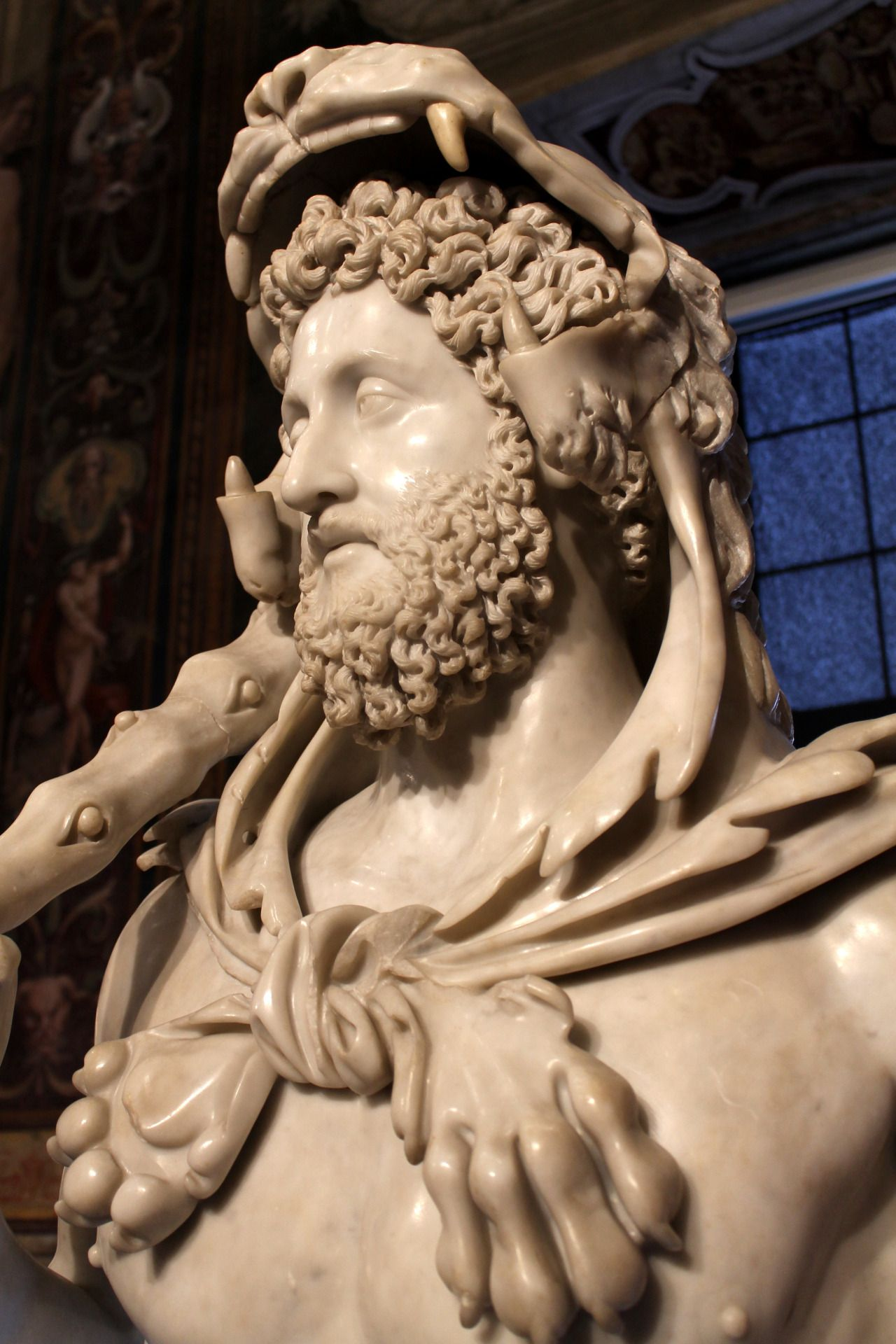 Echiromani bust of the emperor commodus as hercules c 190 ad echiromani bust of the emperor commodus as hercules c 190 ad capitoline museums rome fandeluxe Gallery