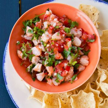 Guac, salsa, margaritas, ole! Throw a Cinco de Mayo party and serve your guests the most delicioso snacks and drinks around. It'll be a fiesta they aren't soon to forget!