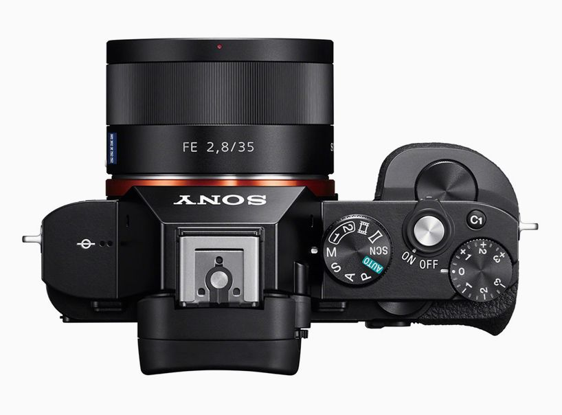 unveils the world\'s first full-frame mirrorless cameras